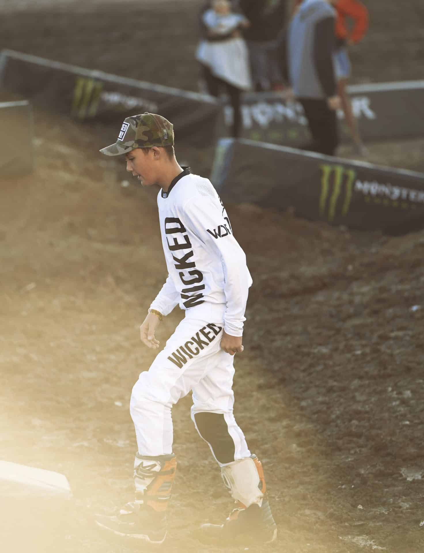 Supercross features