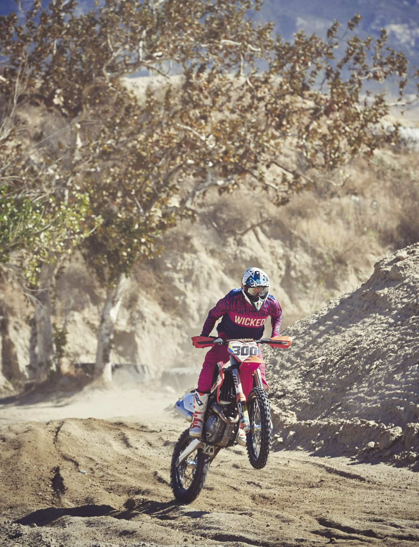 Dirt Bike riding Glen Helen